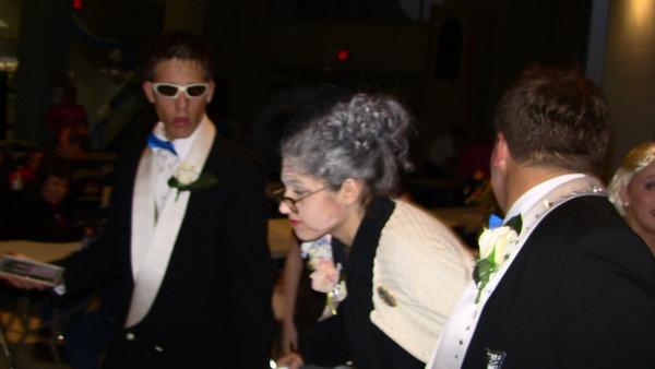 Tony and Tina's Wedding-Opening Weekend 2010-10