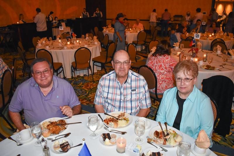 Banquet Tables 181157.jpg