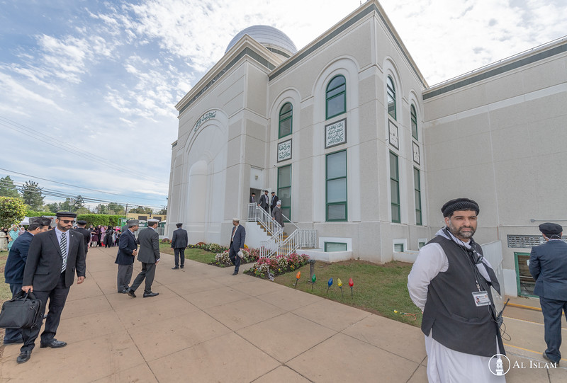 Huzur Trip of USA 2018, Tuesday, BTR Inspection-2587.jpg