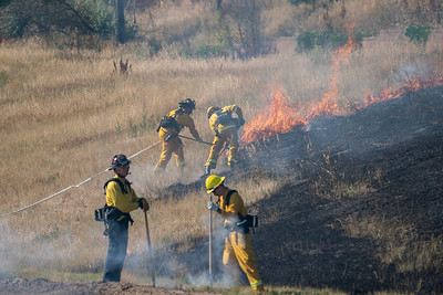 I-25 and Castle Pines Parkway Grass Fire