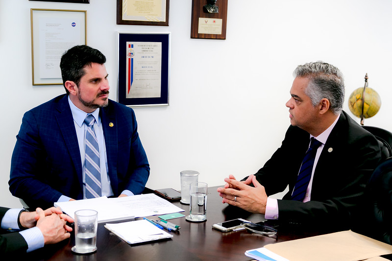 090519 - Dr Sérgio Palma - Diretor da Sociedade Brasileira de Dermatologia- Senador Marcos do Val_2.jpg