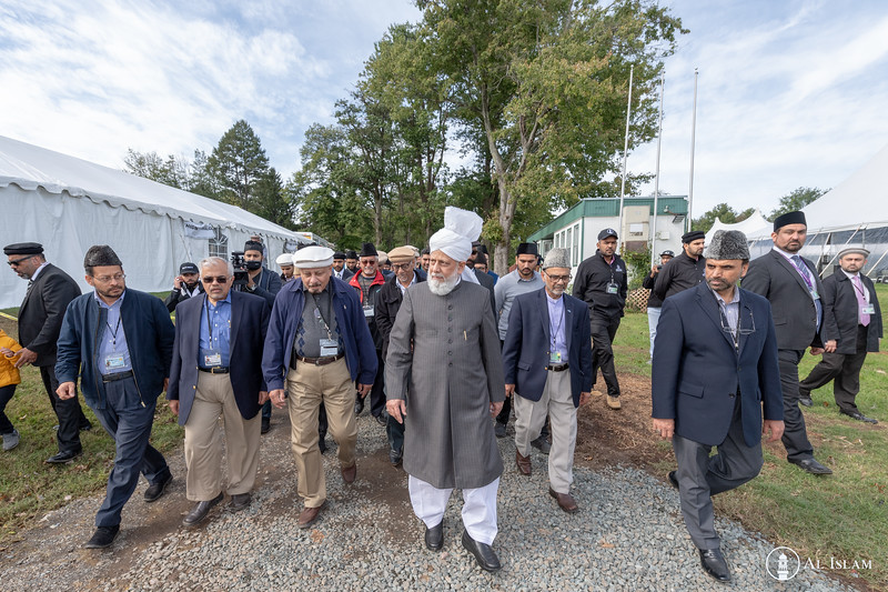Huzur Trip of USA 2018, Tuesday, BTR Inspection-2578.jpg