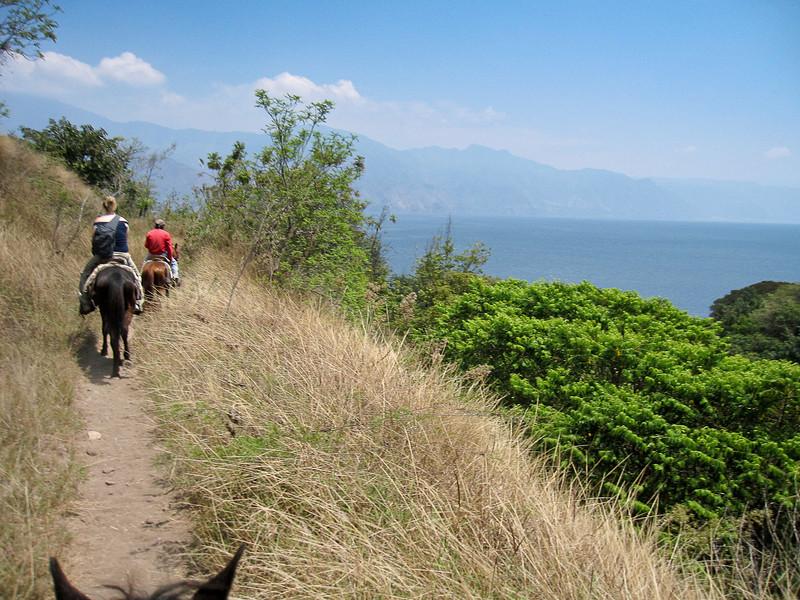 Lake Atitlan (65).jpg