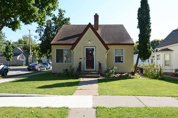 936 Rose Ave E, St. Paul