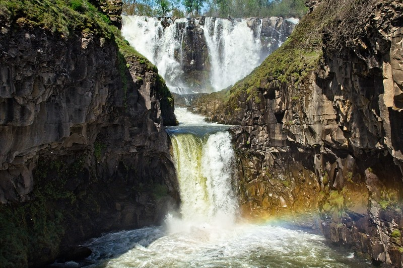 04/27 - White River Falls