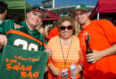 Ohio State/President Shalala visits tailgaters - September 17, 2011