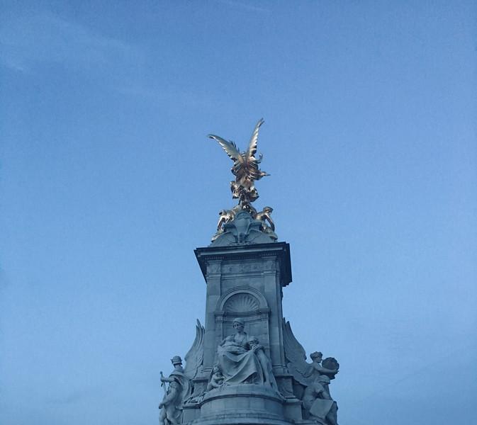 Queen Victoria  Memorial opposite Buckingham Palace.JPG