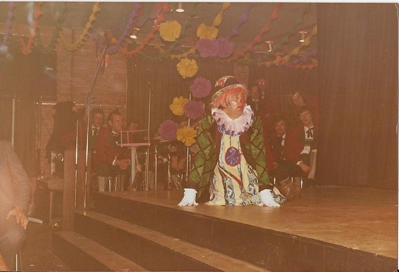circus moes 2.jpg