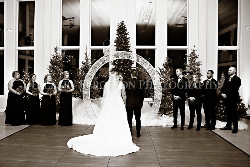 Hillary_Ferguson_Photography_Melinda+Derek_Ceremony068.jpg