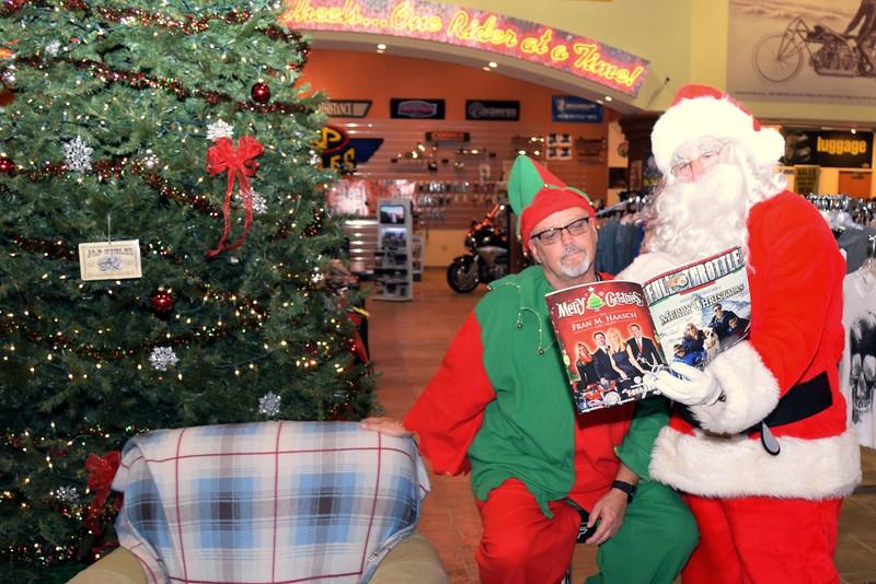 2014 Santa Visits J&P Cycles Florida Superstore (59).JPG