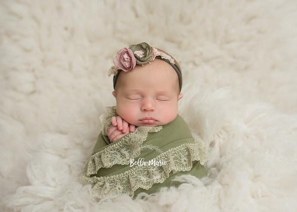 Baby Gia  /  14 days new