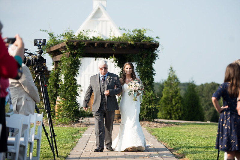 father-bride-aisle.jpg