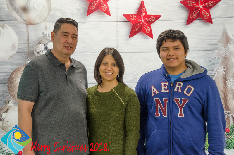Christmas Photobooth 2018 Sunday-190.jpg