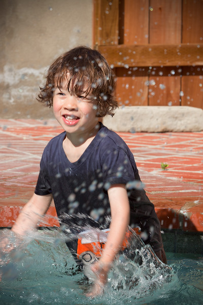 Dylan splashes about