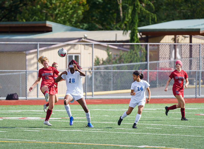 2019-09-28 Varsity Girls vs Meadowdale 039.jpg