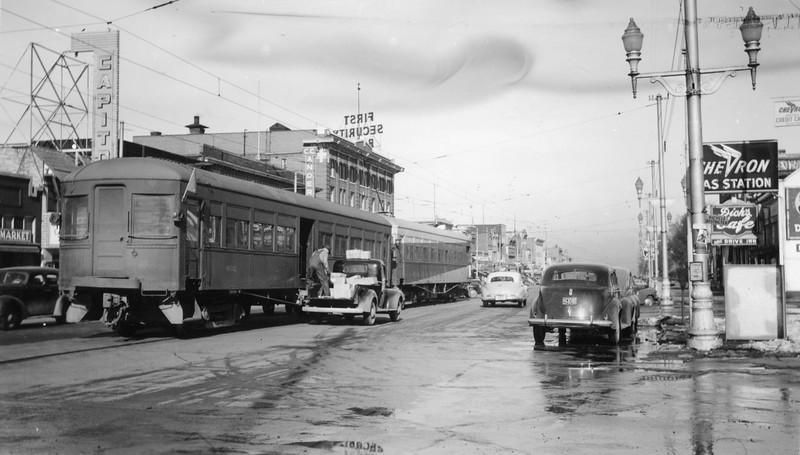 UIC-Last-Run_Feb-15-1947_Logan-northbound_Gordon-Cardall-photo.jpg