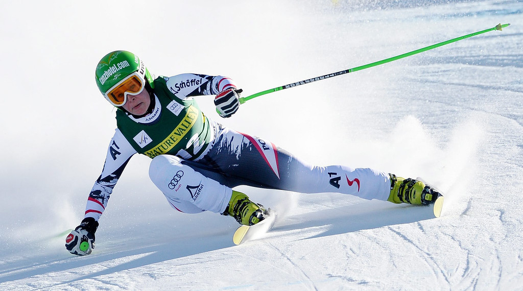 . Skier Stefanie Moser, of Austria, takes a turn during the women\'s downhill race at the FIS World Cup Alpine Skiing in Beaver Creek, Colorado, USA, 29 November 2013.  EPA/JUSTIN LANE