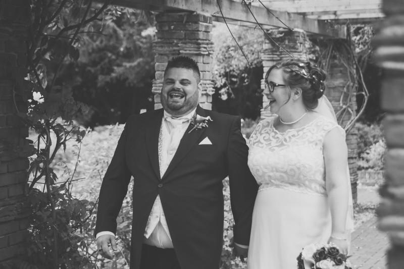 Mr and Mrs Lee-265.jpg