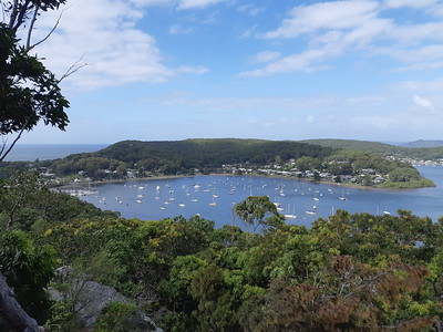 Rocky Point Trail to Allen Strom Lookout, Killcare Heights, NSW - Australia
