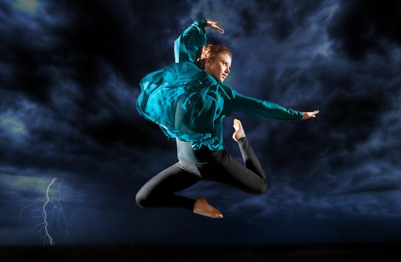 Dancer new background2-2049.jpg