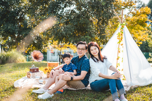 Zhi Chao and Ee Fang Family Photos