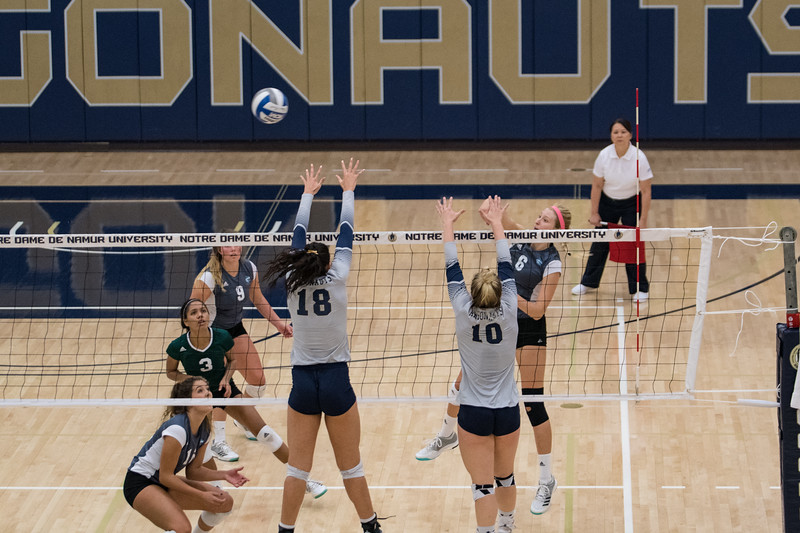 HPU Volleyball-92113.jpg