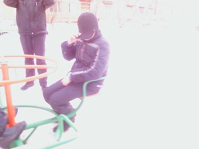 2012-03-17, Merry-go-round near Melnikovs house