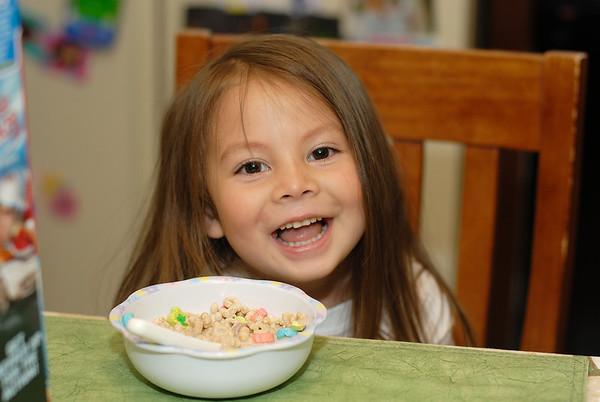 6/3/08 Madeline eating breakfast