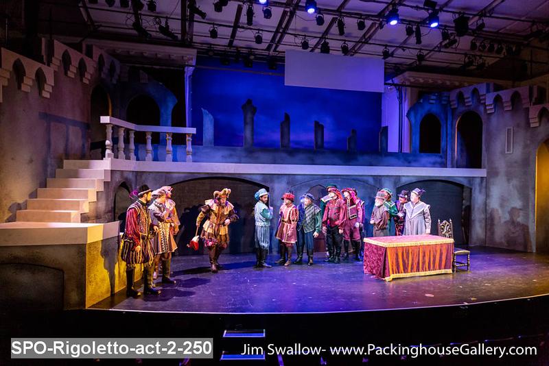 SPO-Rigoletto-act-2-250.jpg