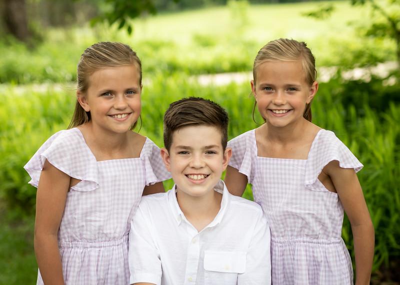Beautiful Family (1 of 14).jpg
