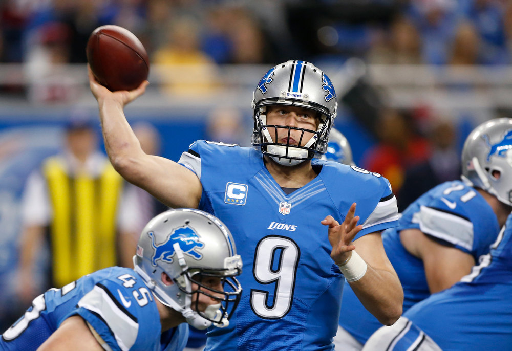 Description of . Detroit Lions quarterback Matthew Stafford throws during the first quarter of an NFL football game against the Atlanta Falcons at Ford Field in Detroit, Saturday, Dec. 22, 2012. (AP Photo/Carlos Osorio)