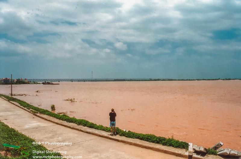 Lũ sông Hồng  Red river in flood Hà Nội Việt Nam