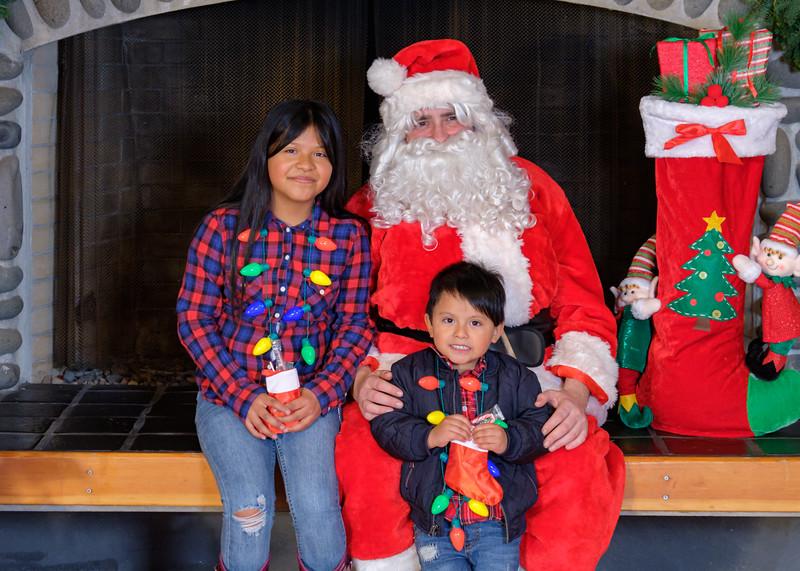 CB Santa 2019-8012.jpg