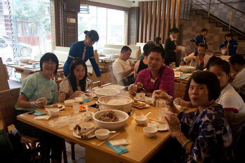 """Having """"firepot"""" with my new friends, a family of 3 from Shenzhen.  They turned out to be extremely nice."""