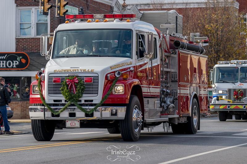 2017-coatesville-christmas-parade_38080447114_o.jpg