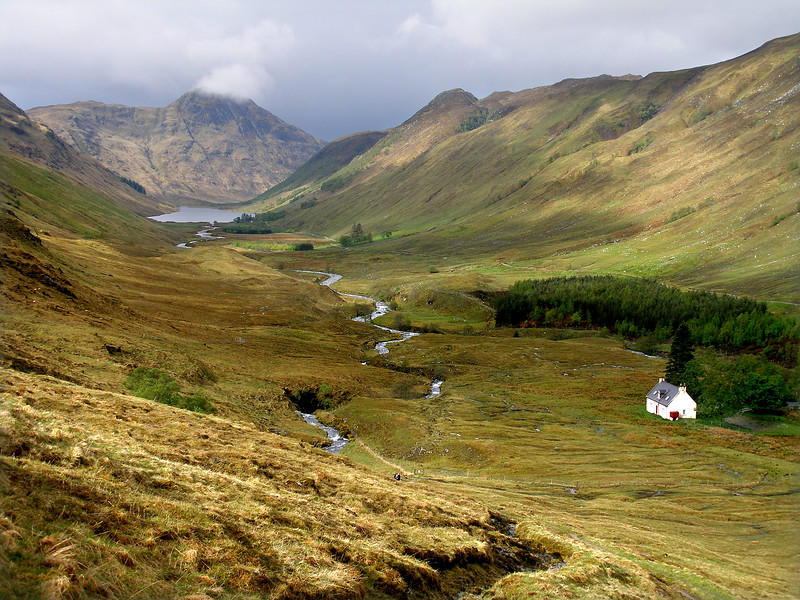 Glen Elchaig and Iron Lodge, from the path over to Mullardoch..  10am, 09/05/09  I'd intended to camp in the vicinity of the lodge, but on finding it open and in use as a bothy (authorised or otherwise), I happily spent a wet night in unexpected comfort.