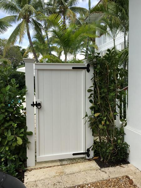 95 - 522294 - Key Biscayne Fl - Universal Gate