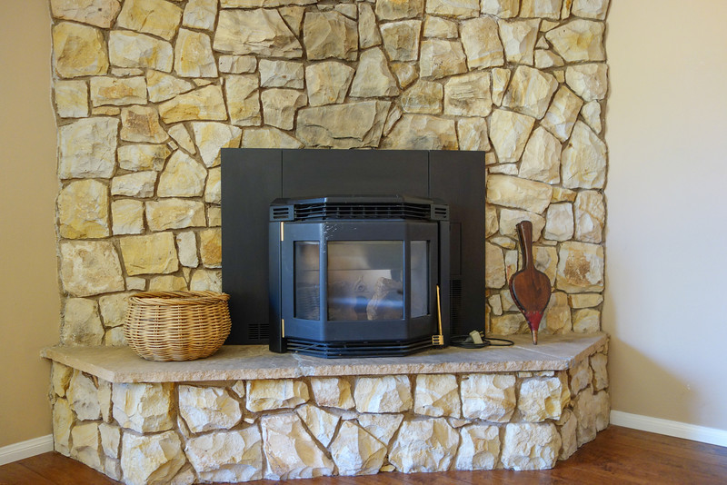 Energy efficent pellet stove