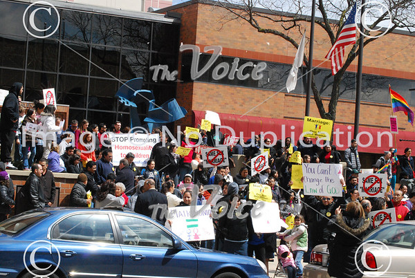 Pro and anti-gay marriage rallies in front of the office of Illinois State Rep. Linda Chapa LaVia's office at North Island Center 4-20-13