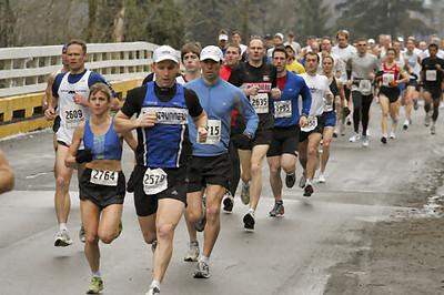 2005 Comox Valley Half Marathon - ComoxHalf2005-Al-Livsey-086.jpg
