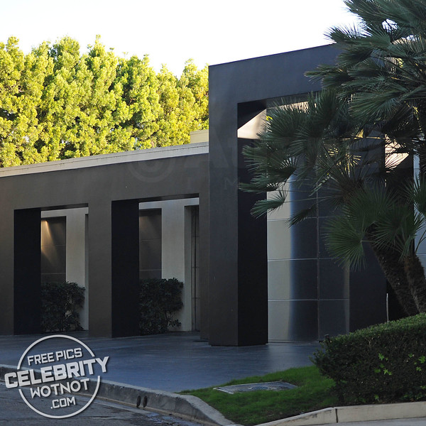 Keanu Reeves $9.09 Million Hollywood Hills Home, LA