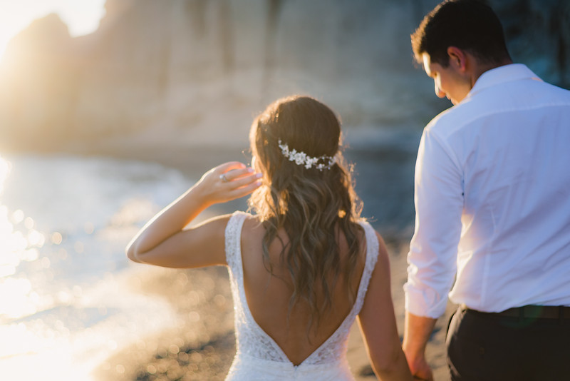 photo-shoot-santorini-greece-trash-the-dress-post-wedding-Anna-Sulte.jpg
