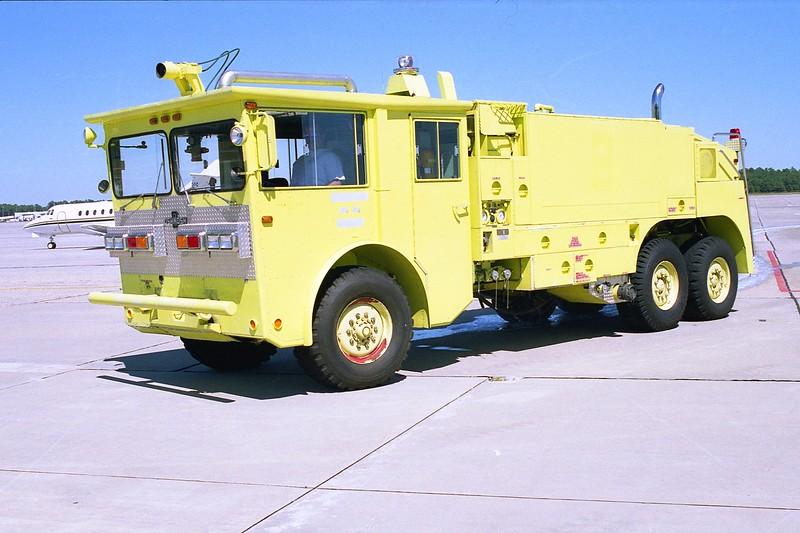 Myrtle Beach Jetport SC - Rescue 4 - 1975 Oshkosh P-4 1500-1800-180.jpg