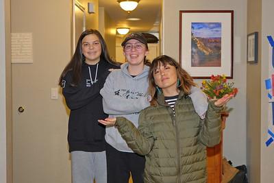 2019 Dec 19 Lindsay 's  visit with sisters