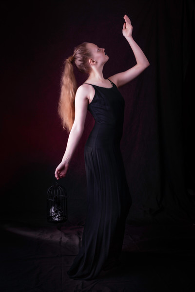 Zoe-goth-prom.jpg