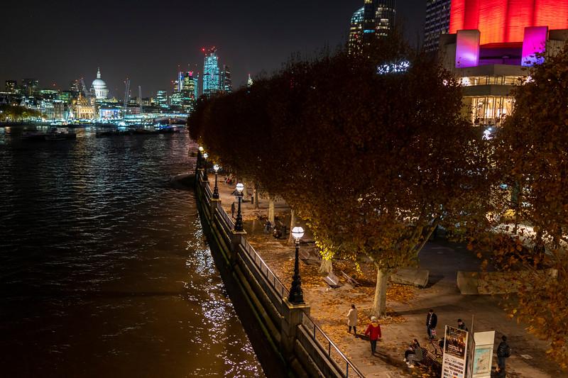 South Bank of the Thames at Night.jpg