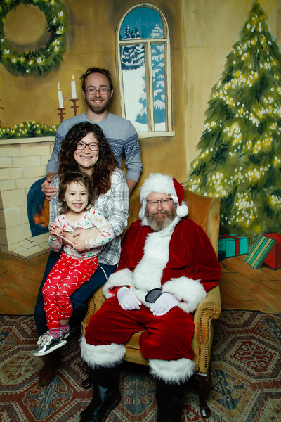 Pictures with Santa at Gezellig-107.jpg