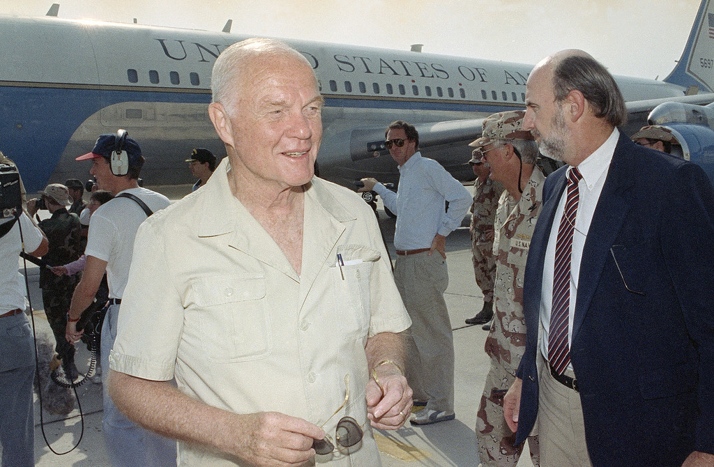 . Sen. John Glenn, D-Ohio arrives at Dhahran Airport in Saudi Arabia, Sept. 1, 1990. Glenn, along with a group of other senators, is visiting troops taking part in Operation Desert Shield. (AP Photo/David Longstreath)