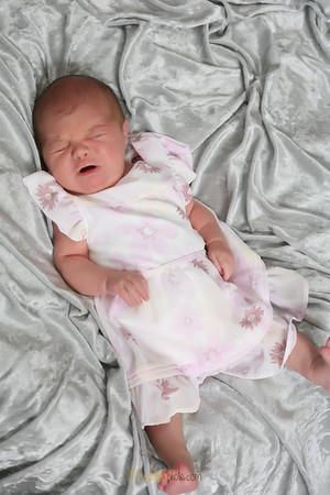 Baby Olivia-2.7.10-2 weeks