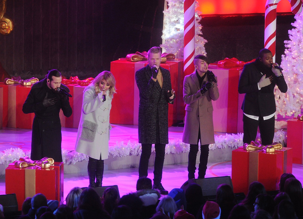 . Avi Kaplan, from left, Kirstin Maldonado, Scott Hoying, Mitch Grassi and Kevin Olusola of the music group Pentatonix perform during the 83rd Annual Rockefeller Center Christmas Tree Lighting Ceremony on Wednesday, Dec. 2, 2015, in New York. (Photo by Brad Barket/Invision/AP)